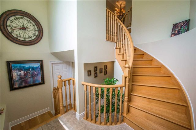 Condo Townhouse at 76 Legends Way, Markham, Ontario. Image 16