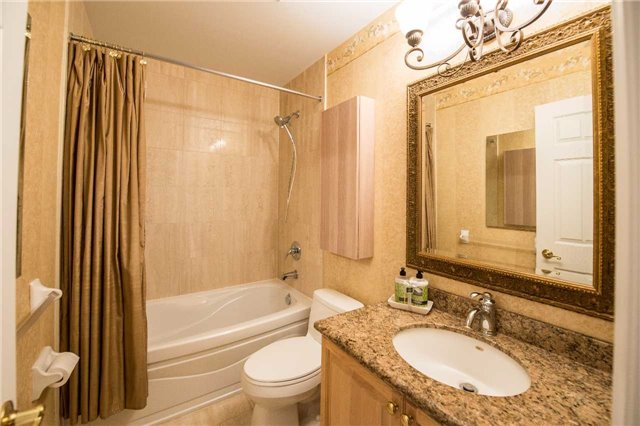 Condo Townhouse at 76 Legends Way, Markham, Ontario. Image 7