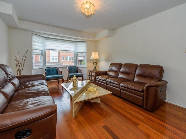 Condo Townhouse at 116 Leah Cres, Vaughan, Ontario. Image 17