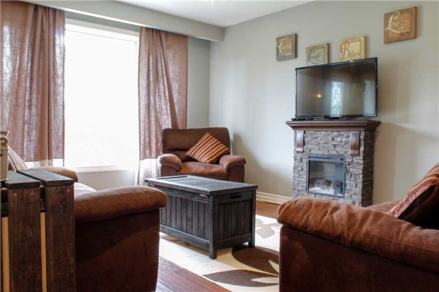 Detached at 4 Waddell St, Brock, Ontario. Image 16
