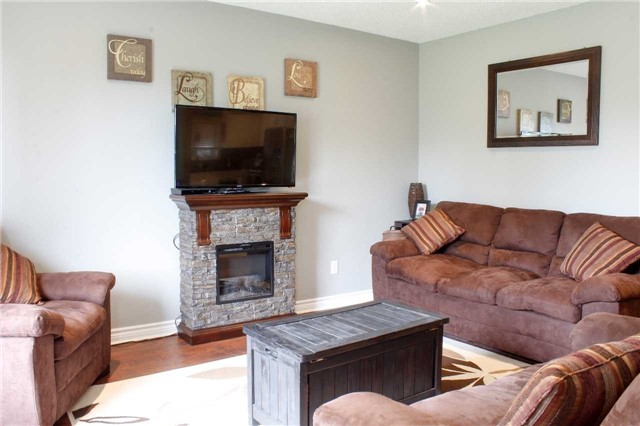 Detached at 4 Waddell St, Brock, Ontario. Image 18