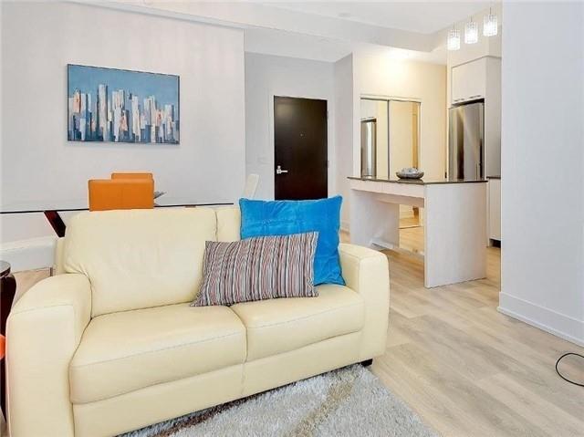 Condo Apartment at 9471 Yonge St, Unit 213, Richmond Hill, Ontario. Image 16