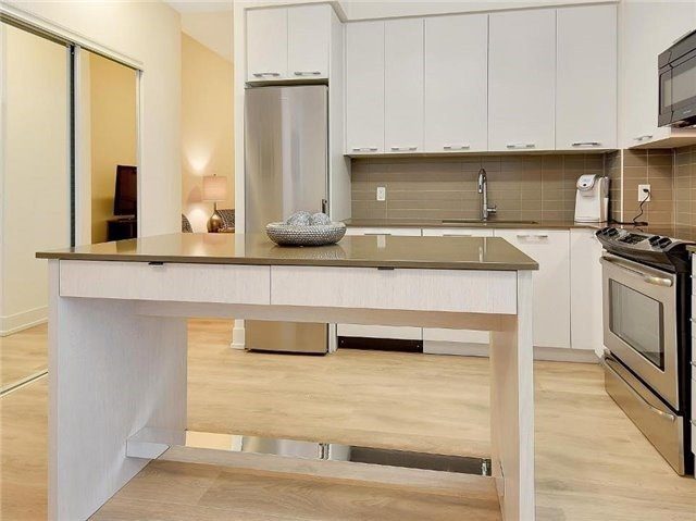 Condo Apartment at 9471 Yonge St, Unit 213, Richmond Hill, Ontario. Image 18