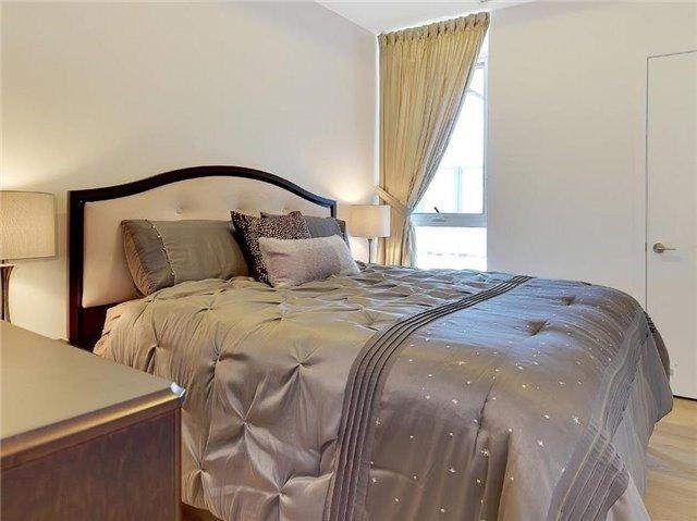 Condo Apartment at 9471 Yonge St, Unit 213, Richmond Hill, Ontario. Image 4