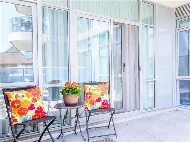 Condo Apartment at 9471 Yonge St, Unit 213, Richmond Hill, Ontario. Image 6