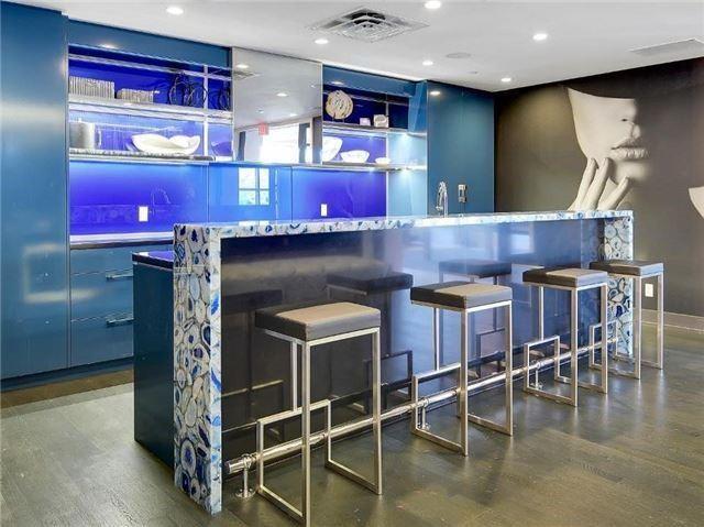 Condo Apartment at 9471 Yonge St, Unit 213, Richmond Hill, Ontario. Image 10
