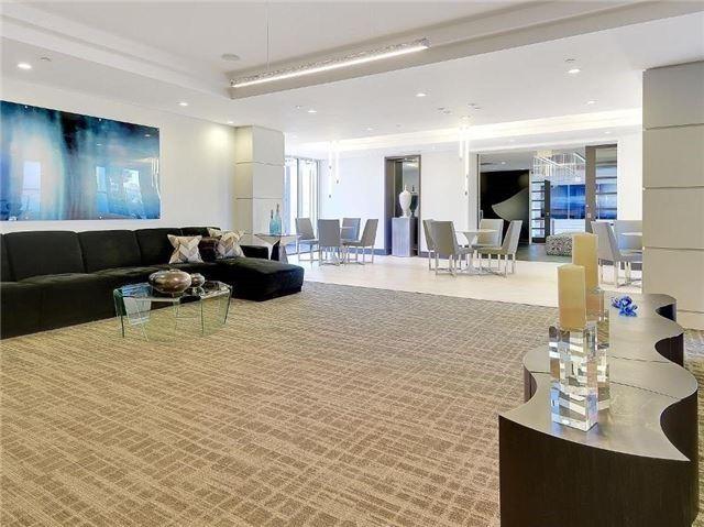 Condo Apartment at 9471 Yonge St, Unit 213, Richmond Hill, Ontario. Image 13