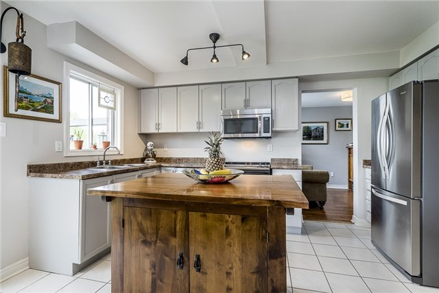 Detached at 2270 Taylorwoods Blvd, Innisfil, Ontario. Image 7