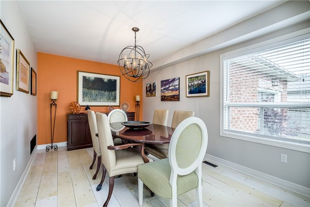Detached at 2270 Taylorwoods Blvd, Innisfil, Ontario. Image 9