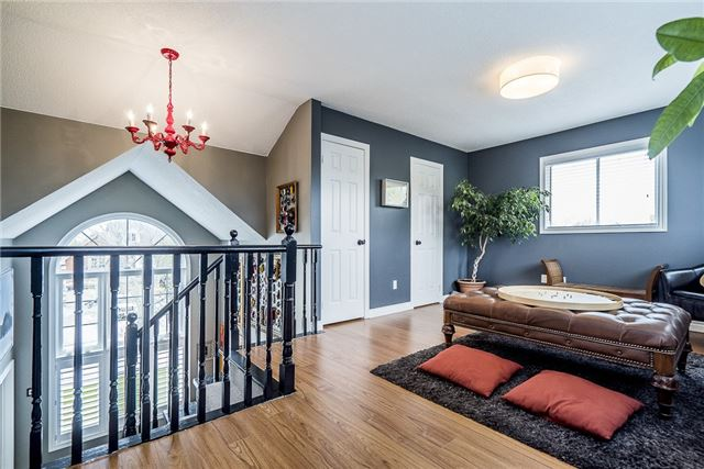 Detached at 2270 Taylorwoods Blvd, Innisfil, Ontario. Image 3