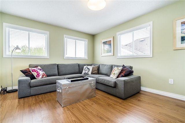 Detached at 2270 Taylorwoods Blvd, Innisfil, Ontario. Image 4