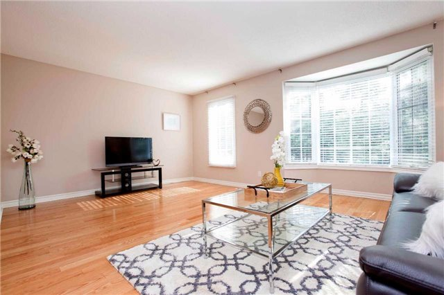 Condo Townhouse at 151 Townsgate Dr, Unit 108, Vaughan, Ontario. Image 15