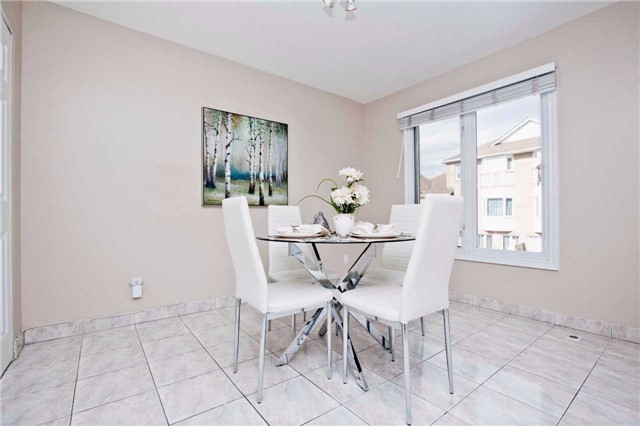 Condo Townhouse at 151 Townsgate Dr, Unit 108, Vaughan, Ontario. Image 18
