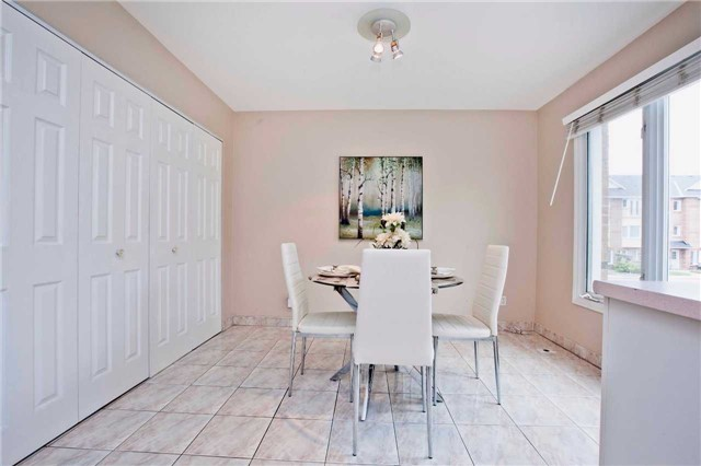 Condo Townhouse at 151 Townsgate Dr, Unit 108, Vaughan, Ontario. Image 19