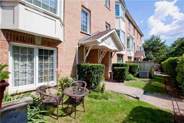 Condo Townhouse at 151 Townsgate Dr, Unit 108, Vaughan, Ontario. Image 11