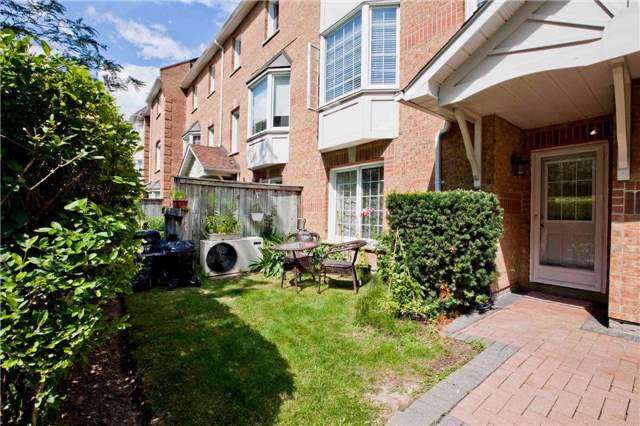 Condo Townhouse at 151 Townsgate Dr, Unit 108, Vaughan, Ontario. Image 13