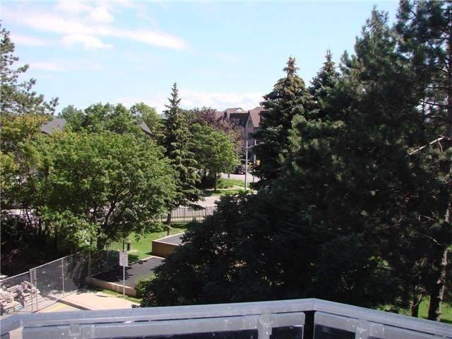 Condo Apartment at 32 Clarissa Dr, Unit 317, Richmond Hill, Ontario. Image 20