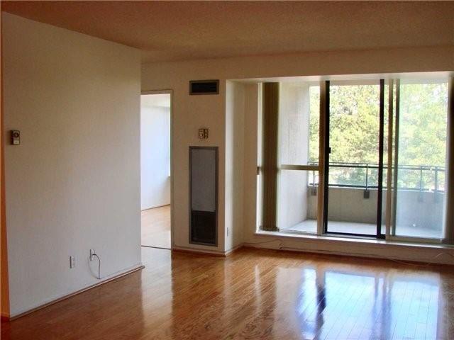 Condo Apartment at 32 Clarissa Dr, Unit 317, Richmond Hill, Ontario. Image 11
