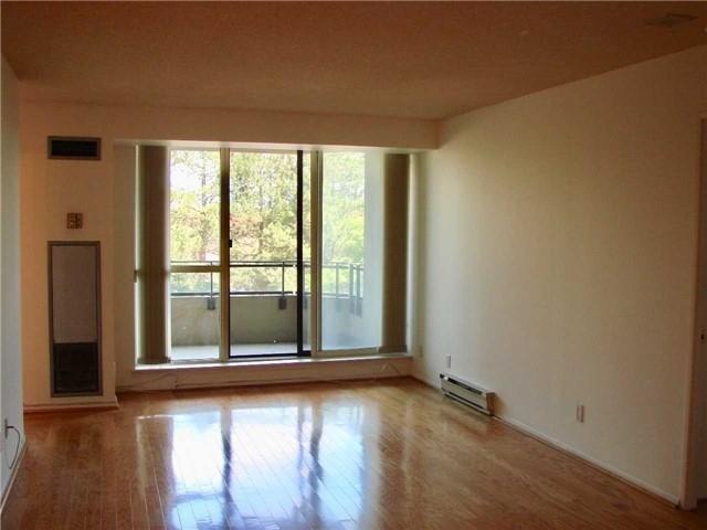 Condo Apartment at 32 Clarissa Dr, Unit 317, Richmond Hill, Ontario. Image 13