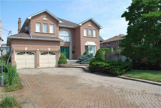 Detached at 10 Lawrie Rd, Vaughan, Ontario. Image 1