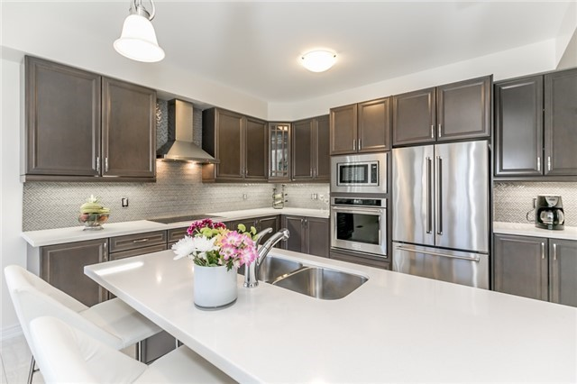 Detached at 48 Willoughby Way N, New Tecumseth, Ontario. Image 18
