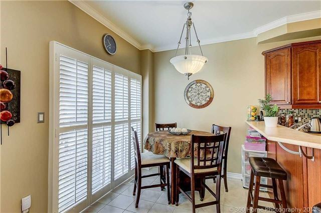 Townhouse at 71 Puccini Dr, Unit 15, Richmond Hill, Ontario. Image 3
