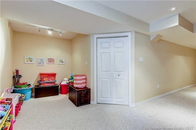 Townhouse at 71 Puccini Dr, Unit 15, Richmond Hill, Ontario. Image 5