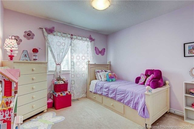 Townhouse at 71 Puccini Dr, Unit 15, Richmond Hill, Ontario. Image 8