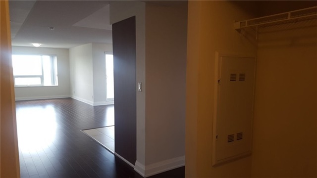 Condo Apartment at 1 Uptown Dr, Unit 1503, Markham, Ontario. Image 15