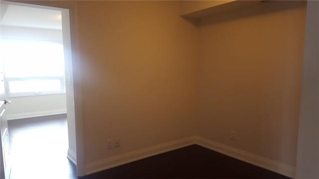 Condo Apartment at 1 Uptown Dr, Unit 1503, Markham, Ontario. Image 17
