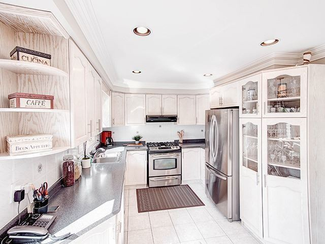 Detached at 108 Brookmill Dr, Vaughan, Ontario. Image 17