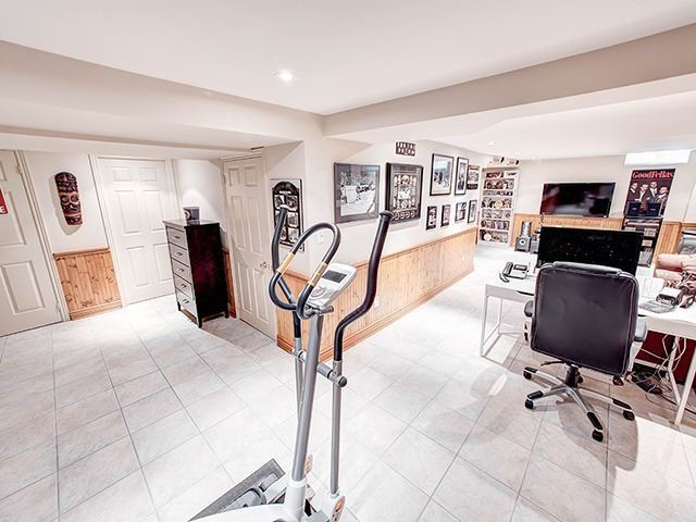 Detached at 108 Brookmill Dr, Vaughan, Ontario. Image 5