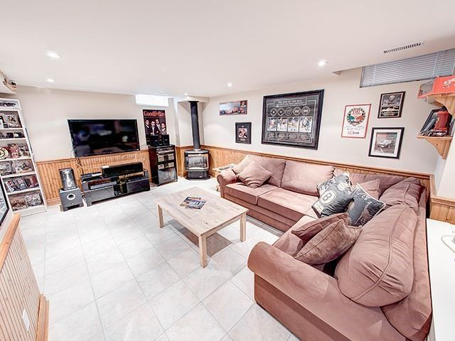 Detached at 108 Brookmill Dr, Vaughan, Ontario. Image 6