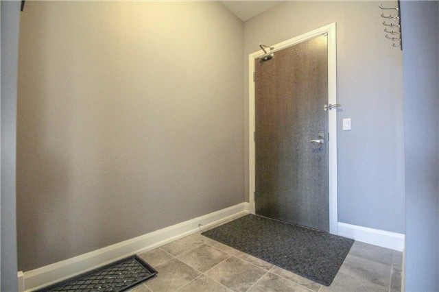 Condo Apartment at 2910 Highway 7 Rd, Unit 417, Vaughan, Ontario. Image 15