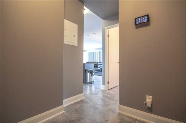 Condo Apartment at 2910 Highway 7 Rd, Unit 417, Vaughan, Ontario. Image 16