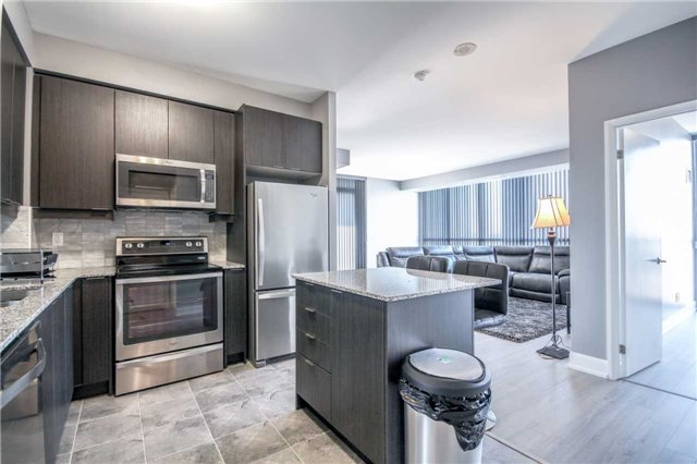 Condo Apartment at 2910 Highway 7 Rd, Unit 417, Vaughan, Ontario. Image 17