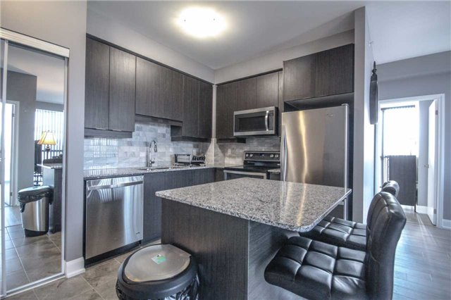 Condo Apartment at 2910 Highway 7 Rd, Unit 417, Vaughan, Ontario. Image 18
