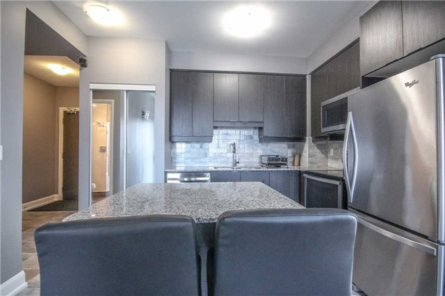 Condo Apartment at 2910 Highway 7 Rd, Unit 417, Vaughan, Ontario. Image 19