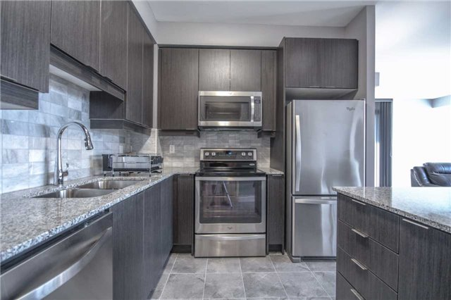 Condo Apartment at 2910 Highway 7 Rd, Unit 417, Vaughan, Ontario. Image 20