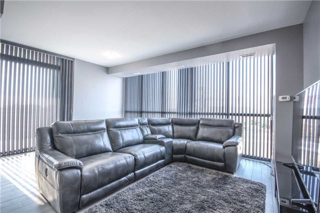 Condo Apartment at 2910 Highway 7 Rd, Unit 417, Vaughan, Ontario. Image 2