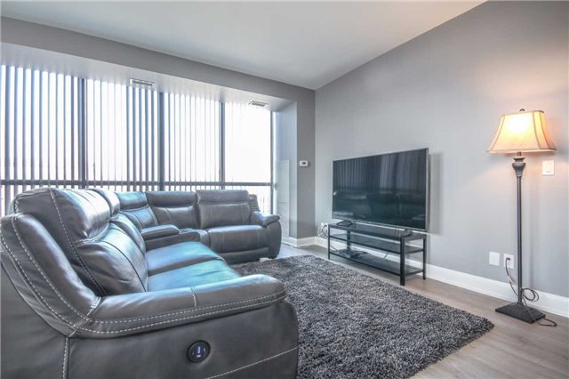 Condo Apartment at 2910 Highway 7 Rd, Unit 417, Vaughan, Ontario. Image 3