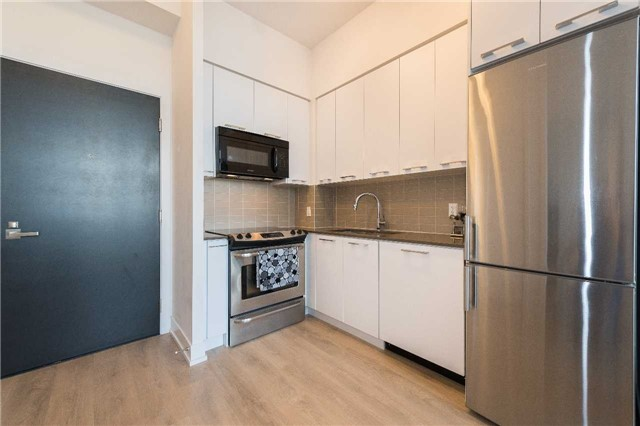 Condo Apartment at 9471 Yonge St, Unit 228, Richmond Hill, Ontario. Image 7