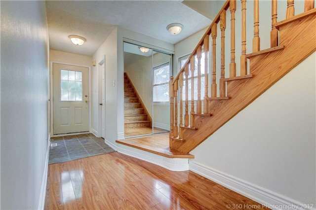 Condo Townhouse at 862 Playter Cres, Newmarket, Ontario. Image 13