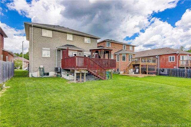 Detached at 1007 Leslie Dr, Innisfil, Ontario. Image 8