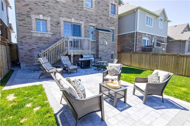 Detached at 22 Cauthers Cres, New Tecumseth, Ontario. Image 10