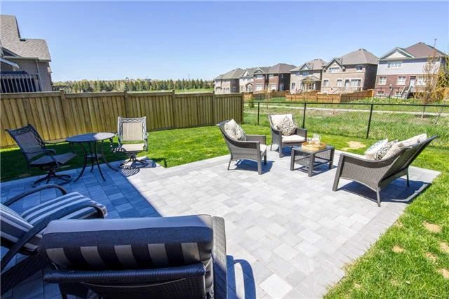 Detached at 22 Cauthers Cres, New Tecumseth, Ontario. Image 11