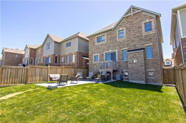 Detached at 22 Cauthers Cres, New Tecumseth, Ontario. Image 13