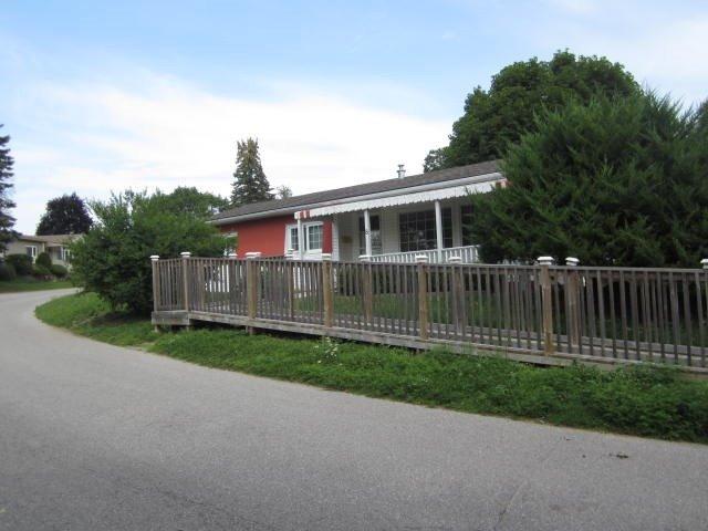 Detached at 8 Trefoil Dr, Innisfil, Ontario. Image 1