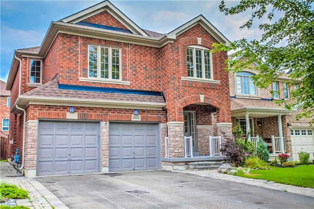 Detached at 1002 Oaktree Cres, Newmarket, Ontario. Image 1