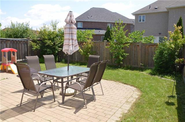 Detached at 110 Martini Dr, Richmond Hill, Ontario. Image 10